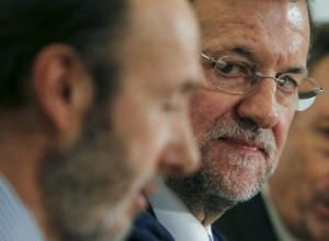 Rubalcaba Rajoy 300x220 Who benefits from Spains early election?