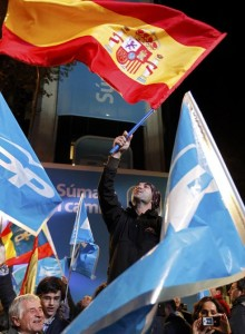 bandera Espana Genova 220x300 Rajoy must take reins swiftly to avoid economic chaos