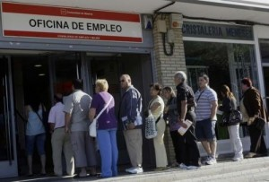 Oficina Empleo 300x203 Getting to the bottom of Spain's daunting unemployment rate