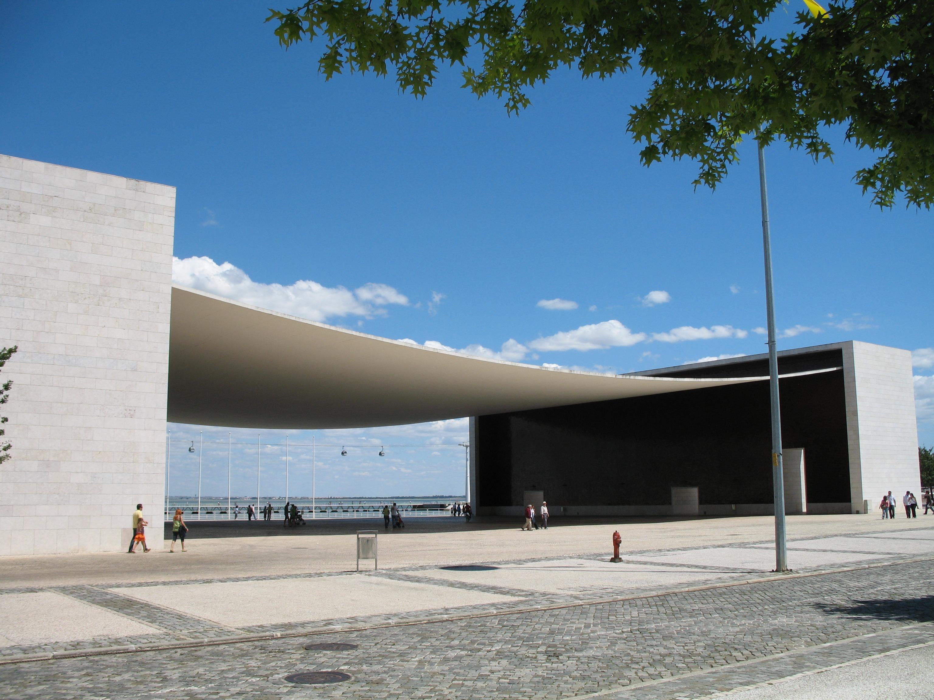 Álvaro Siza Vieira's Portuguese Pavilion for Expo 98, in Lisbon ...