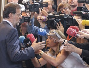 Rajoy takes a stand 300x228 Euro up as Spain, Italy take a stand