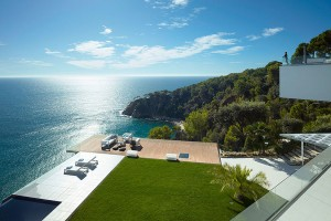 Costa brava 300x200 Expats seize the day amid Spain's property market uncertainty
